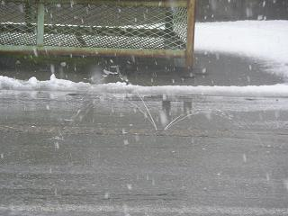 消雪パイプの井戸水