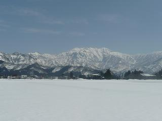 我が田んぼから見える八海山