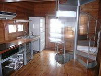 キッチン、階段