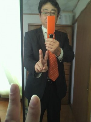 オレンジのネクタイ