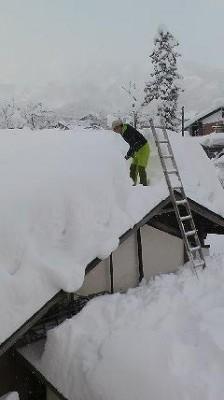 小屋根には雪を落としたくない
