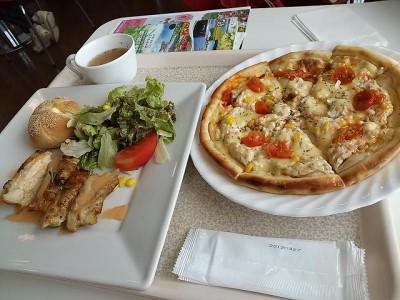 ピザとバジルチキン