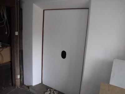 戸前の引き戸