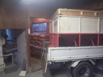 収穫したトラック
