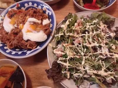 豚キムチとサラダ