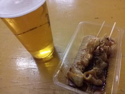 ビールに焼き鳥